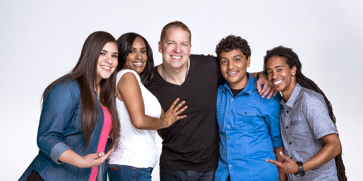 091916-shows-GOS-The-Gary-Owen-Show-cast-portrait-2